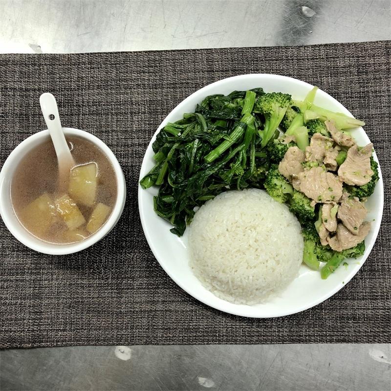 西蘭花炒肉+湯