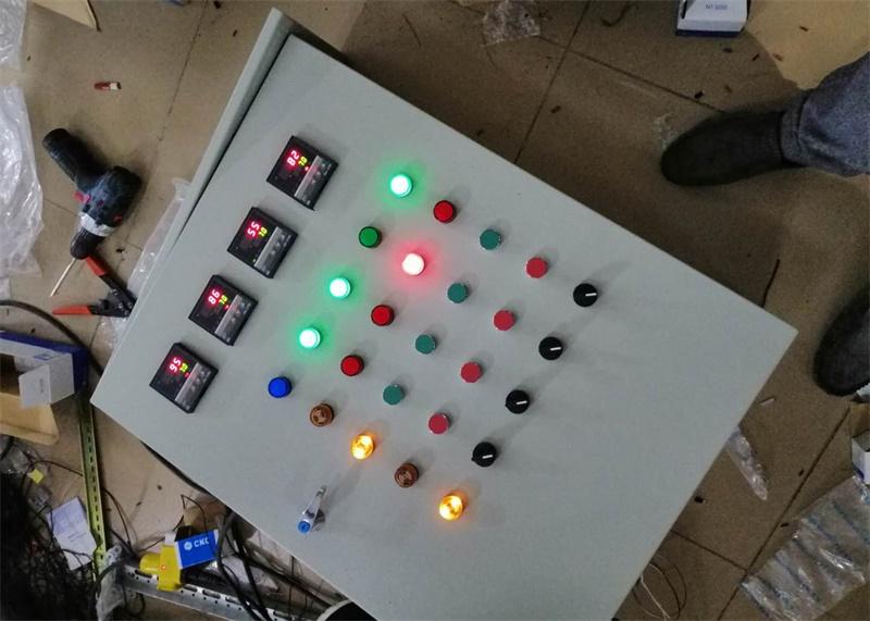 恒溫室自動控制箱